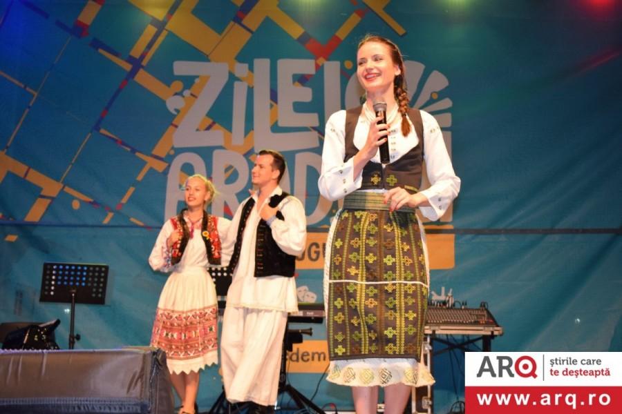 """La Zilele Aradului duminică a fost """"Picnic festival"""" și româncuța Stela Botez"""