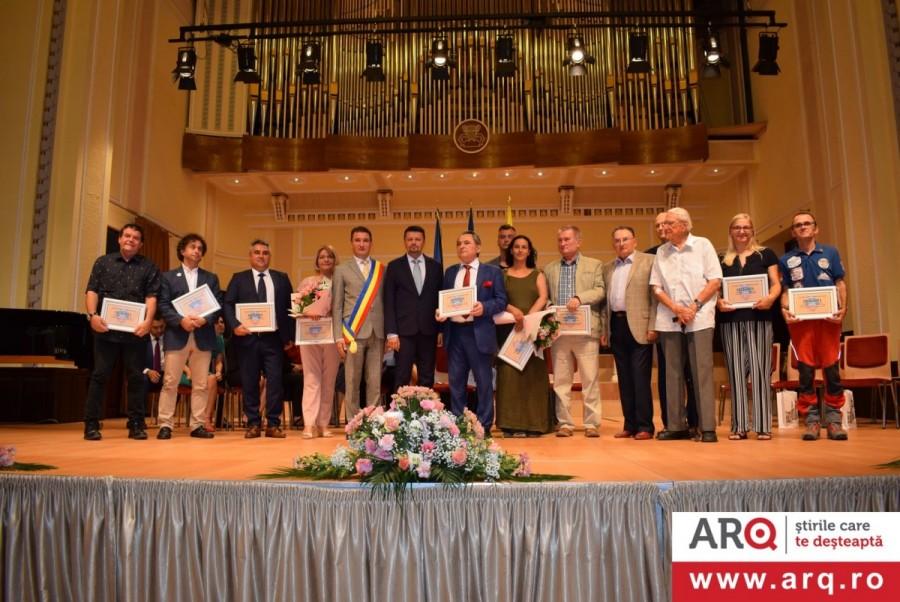 Titluri şi distincţii pentru personalitățile cu merite deosebite din municipiul Arad