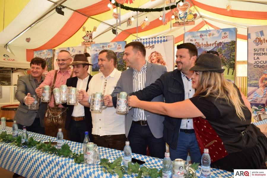 Începe prima ediție a Oktoberfest-ului arădean; mâine se dă cep butoiului de bere