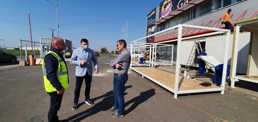 """Sergiu Bîlcea: """"Se lucrează intens la amenajarea spitalului de campanie de la Expo"""""""
