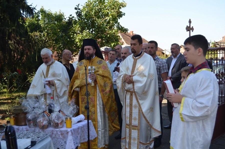 Dumnezeiasca Liturghie şi comemorarea eroilor de la Miniş