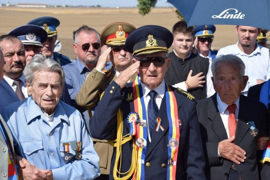 Eroii bătăliei de la Păuliş au fost comemorați la 75 de ani de la luptele pentru apărarea Văii Mureșului