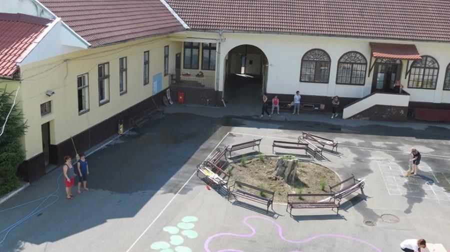 """Adio chirie: Primăria se pregătește să cumpere clădirea în care funcţionează Şcoala Gimnazială """"Mihai Eminescu"""""""