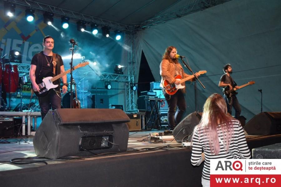 Zilele Aradului au început în forță cu Picnic Festival&Târg Estival și ... Bosquito