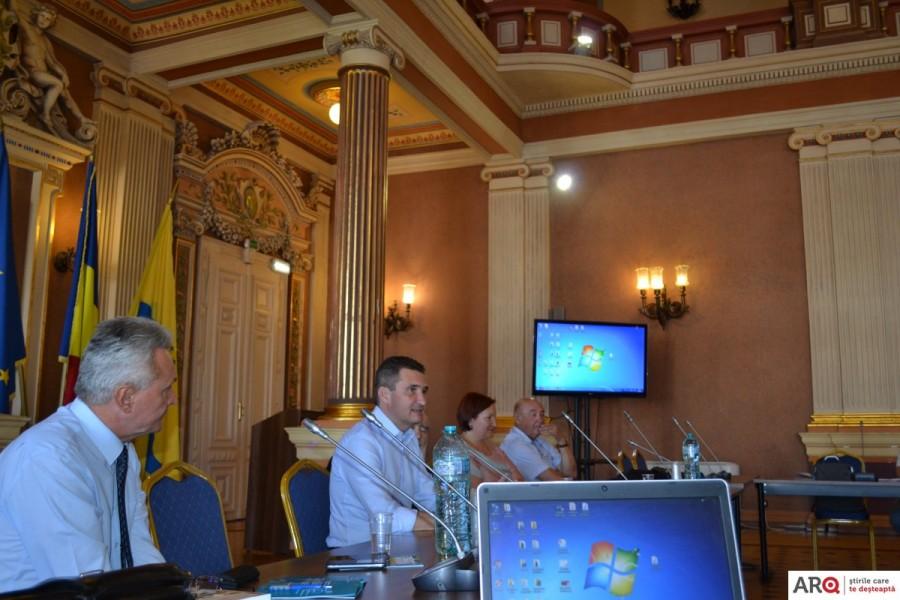 """Zilele Aradului sărbătorite de istorici: Primăria găzduiește Conferința """"Orașul Arad în contextul istoric al României Mari"""""""
