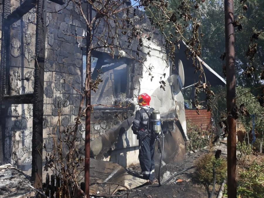 O casă a ars complet la Sânpaul