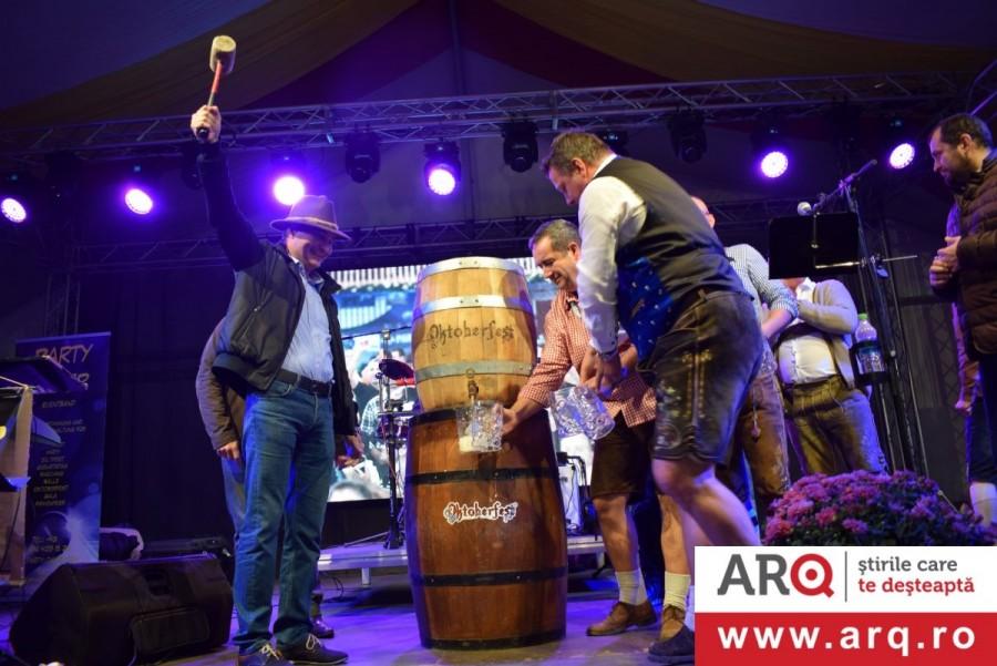 Primarul Bibarț a dat cep butoiului de bere al OKTOBERFEST-ului arădean