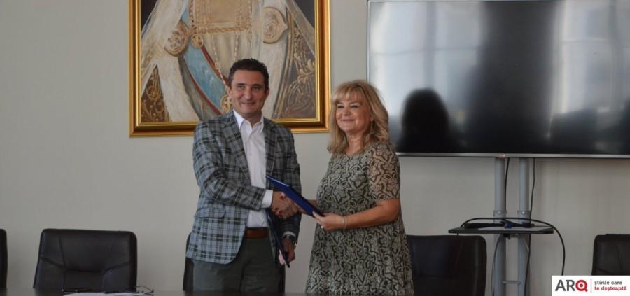 Primăria și Colegiul Economic au semnat un parteneriat pentru învățământul dual