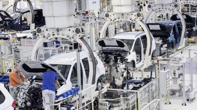 Dacă Volkswagen decide să vină în România, înseamnă că vine la Arad