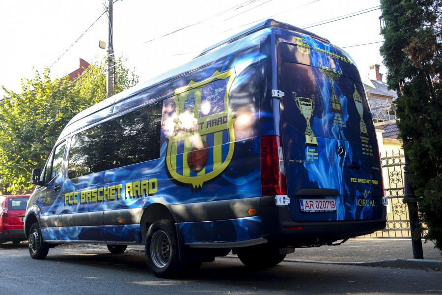 FCC Baschet Arad prinde viteză! Arădencele vor călători cu un microbuz personalizat