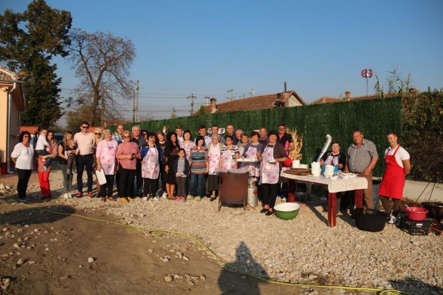 """Premieră în Arad: """"Festivalul Toamnei"""", organizat de Parohia Ortodoxă și familia Istrate - Dan și Corina, din Mândruloc"""