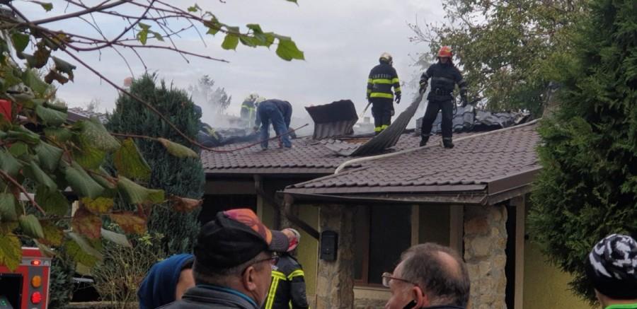 Incendiu violent la o casă în Cartierul Verde