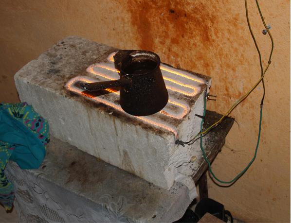 Unul din patru incendii este declanșat de instalaţiile electrice defecte sau improvizate