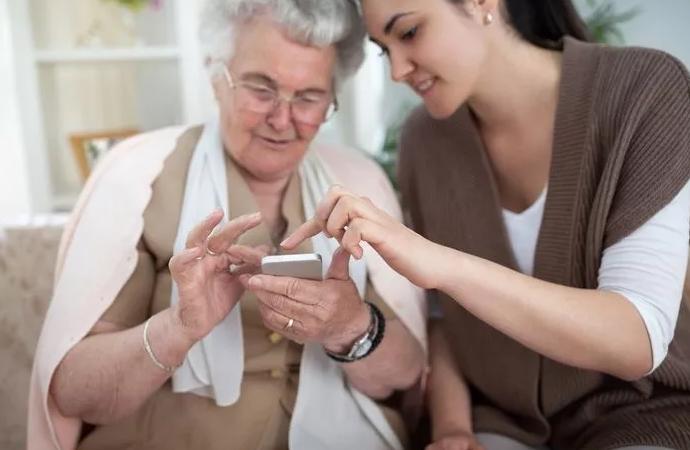 Mai multe beneficii la abonamentele de telefonie mobilă pentru persoanele cu dizabilități