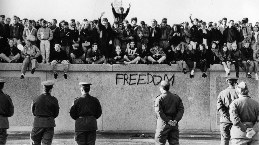 30 de ani de la căderea Zidului Berlinului!