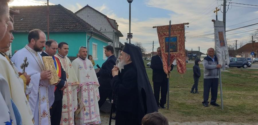 Binecuvântare arhierească la biserica ortodoxă din Beliu