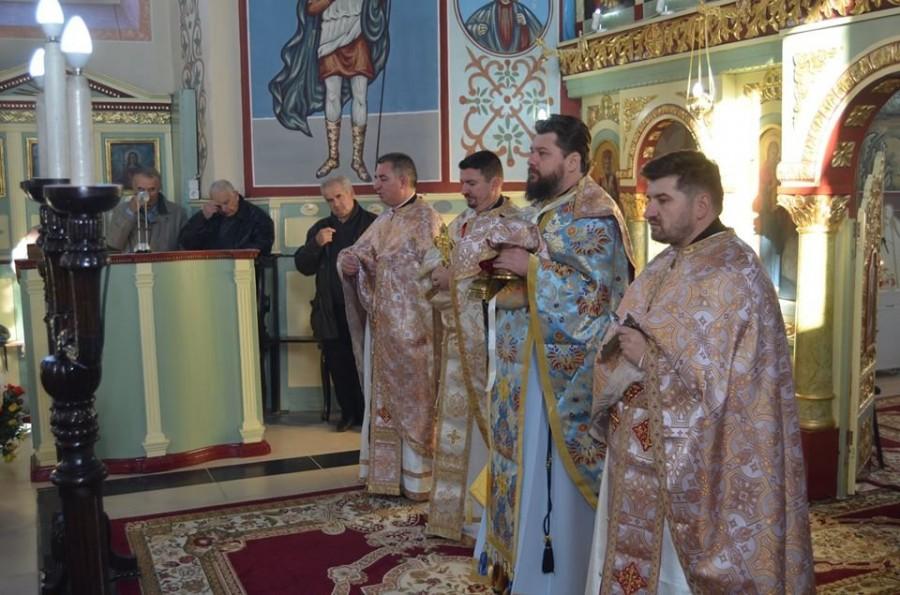 Slujbă de pomenire pentru Părintele Arsenie Boca în Parohia arădeană Semlac