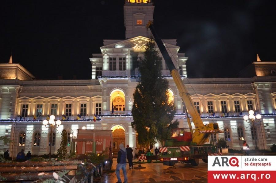 Aprinderea luminițelor din pomul de Crăciun va avea loc în ajun de Moș Nicolae