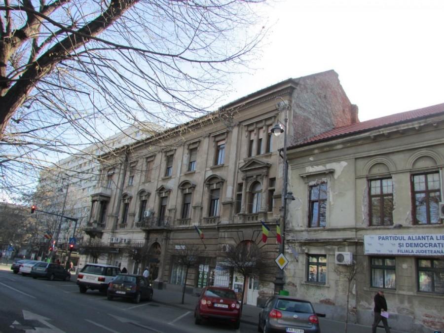 Proprietarii de clădiri care trebuie să-și renoveze fațadele pot obține un grant de 20% de la Primărie; proiectul de hotărâre a fost pus la transparență