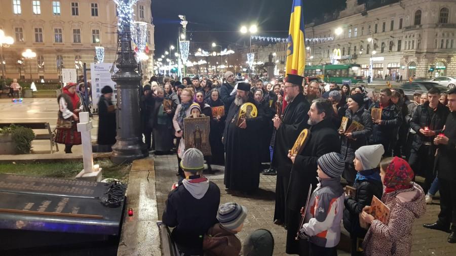 Zeci de arădeni au participat la Marșul Colindătorilor și la rugăciunea de la Monumentul Eroilor Martiri ai Revoluției din 1989