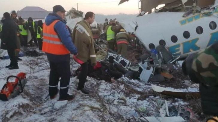 Un avion cu 100 de pasageri la bord s-a prăbușit în Kazahstan
