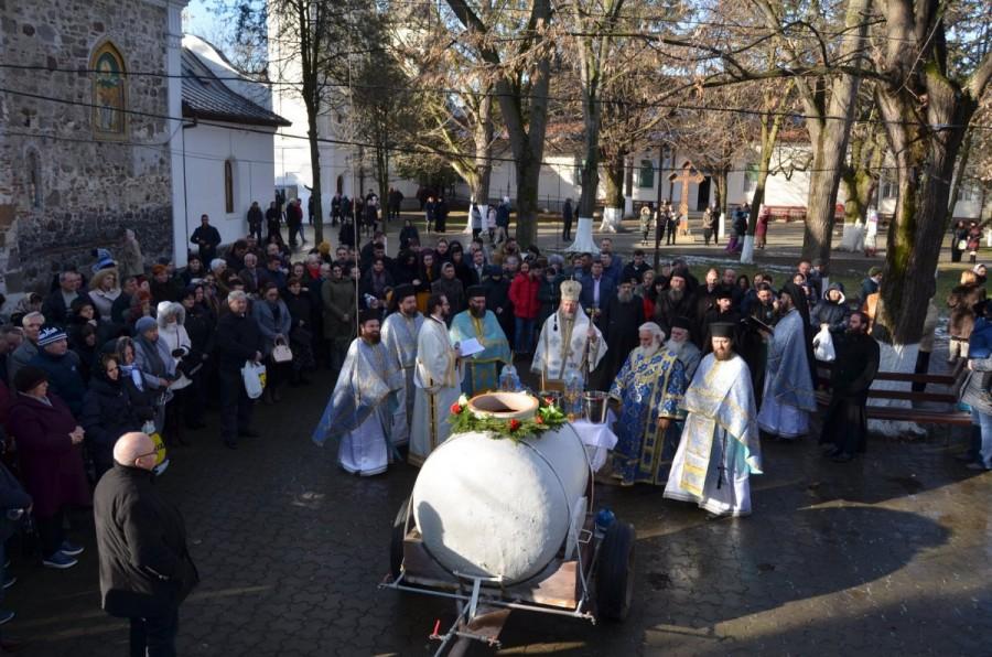 Slujire arhierească în Ajunul Bobotezei la Mănăstirea Hodoș-Bodrog