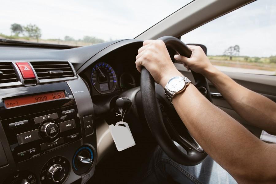 Mașinile cu volan pe dreapta, interzise în România din 2021