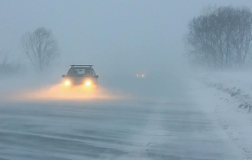 Mare grijă cum conduceți! Cod galben de vânt, ninsori și viscol pentru 36 de județe