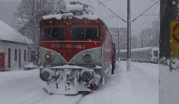 17 trenuri anulate, în urma avertizărilor meteo Cod roșu