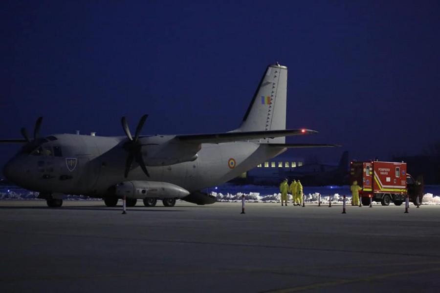 Misiune specială a Forţelor Aeriene Române! Doi români, aduși în țară cu măsuri speciale de protecție din China