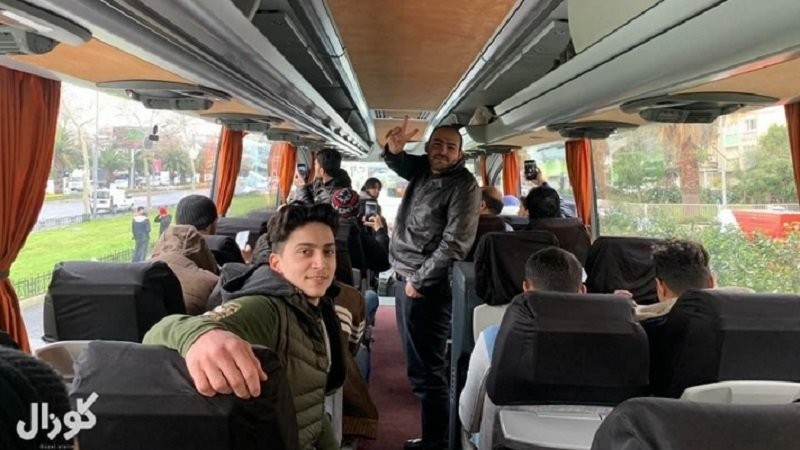 Turcia a dat drumul refugiaţilor către Europa. Erdogan trimite migranţii cu autubuzele, primele transporturi sunt deja pe drum