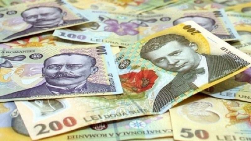 Veşti proaste pentru românii cu credite. Indicele ROBOR la trei luni începe să crească