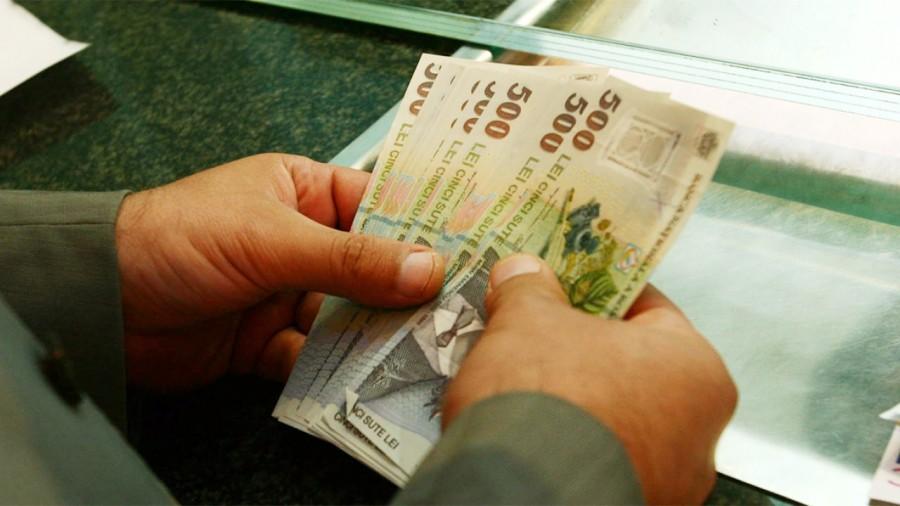 Românii își pot amâna ratele la bănci cu cel mult 9 luni