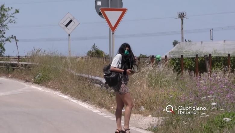 Marea relaxare a venit și în Italia, dar se iau... măsuri de protecție; prostituatele românce ies pe teren cu măști și gel dezinfectant