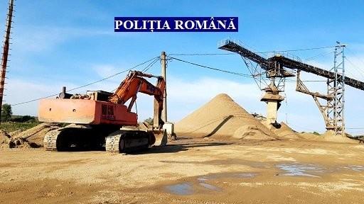 Evaziune fiscală, activități miniere și lucrări pe malul Mureșului fără autorizare la trei balastiere din județ (FOTO)