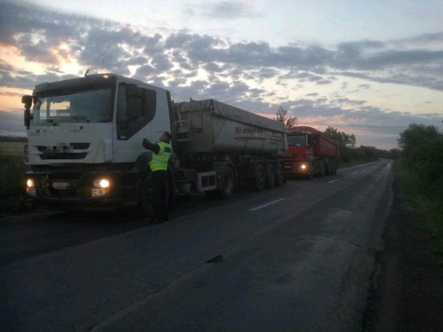 Ce au pățit transportatorii prinși că au depășit tonajul în zona Zăbrani-Lipova