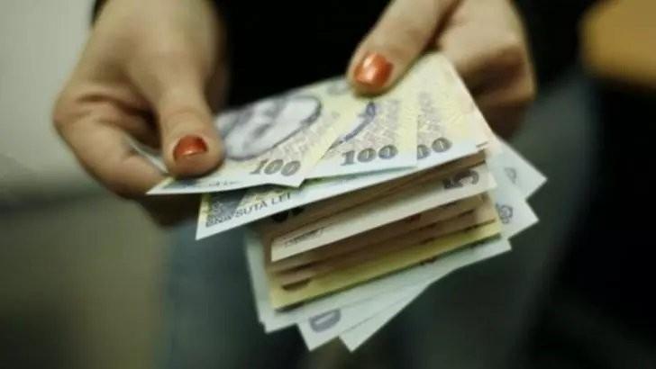 Caz halucinant, în județul Neamț: angajatele din bancă furau banii clienților