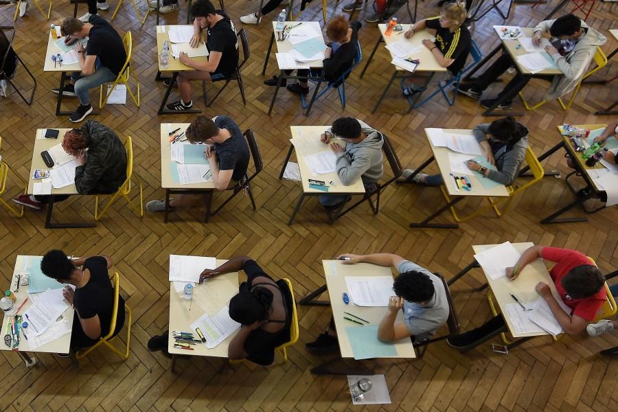Etapa specială a Evaluării Naționale 2020 începe astăzi cu proba de Limba română