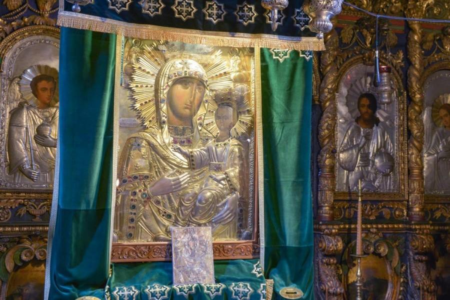 """Icoana Maicii Domnului """"Îndrumătoarea"""" de la Mănăstirea Neamț, cea mai veche și cea mai frumoasă icoană din țară"""