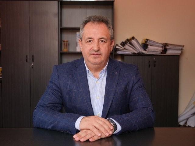 """""""Confortul de la oraș, la Șimand. Este visul și proiectul meu!"""" - Interviu cu primarul comunei Șimand, Florin Dema"""