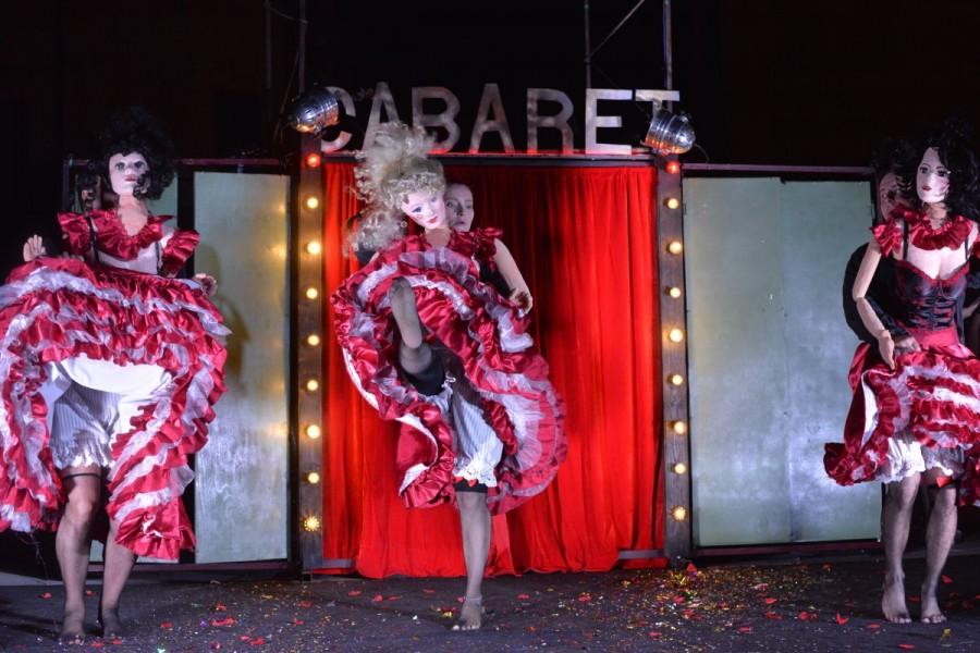 Teatru la fereastră: Capă, spadă... cabaret