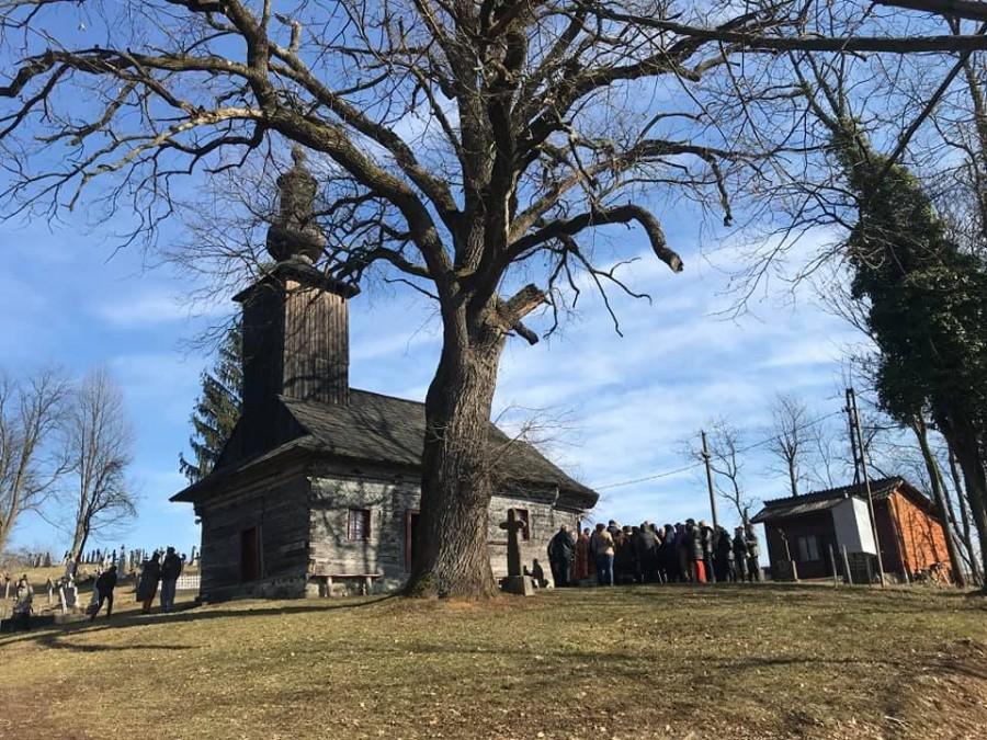 Biserica de lemn din Ionești va fi restaurată de Ambulanța pentru Monumente Arad