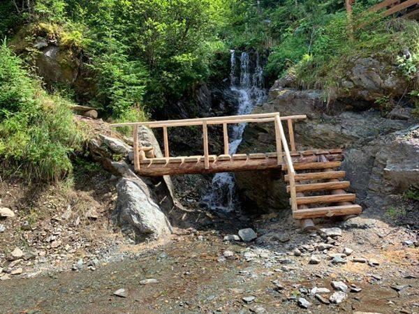 Cascada Măgura, recent descoperită în Munții Rodnei, a fost introdusă în circuitul turistic local şi naţional