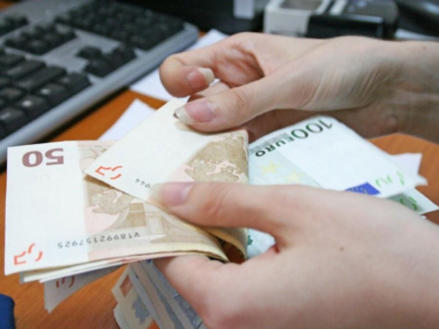 O femeie din Socodor a pierdut peste 4000 de euro în urma unei înşelăciuni