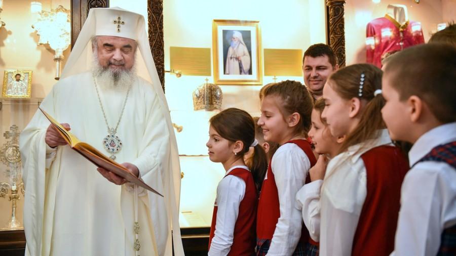 Patriarhul Daniel, binecuvântare pentru elevi, părinți și cadrele didactice la început de an şcolar