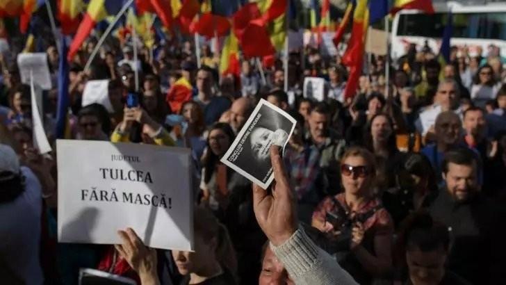 Descinderi și un dosar penal după primele două zile de proteste în Piața Victoriei. Protestele continuă și astăzi