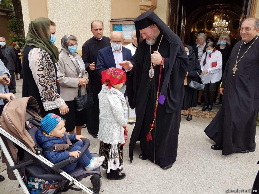 Omul cu har și dar este chemat să fie misionar – PS Emilian Crișanul, în Duminica a 18-a după Rusalii și ziua prăznuirii Sfântului Antim Ivireanul
