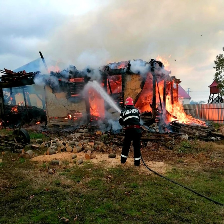 Incendiu în localitatea Bruznic