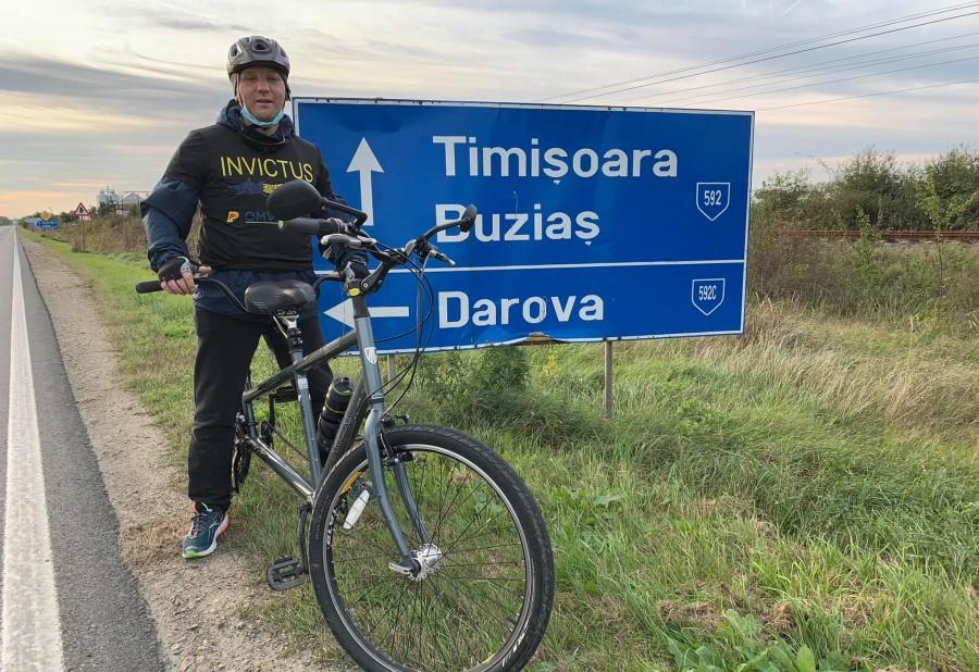 Veteranul Marius Iovi, militar rănit fără vedere, a pedalat 140 de kilometri la Ștafeta Veteranilor pe traseul albastru