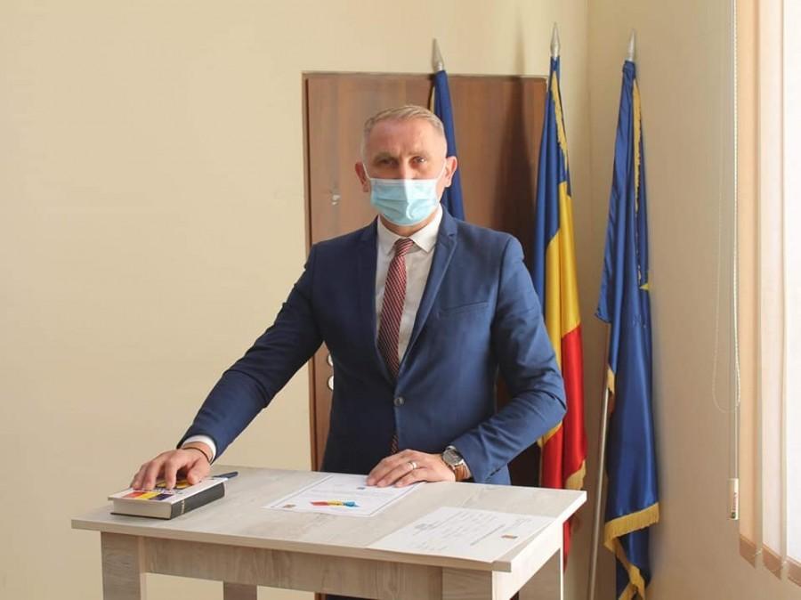 Schimbare de ștafetă la Vladimirescu: Mihai Mag a depus jurământul și este noul primar